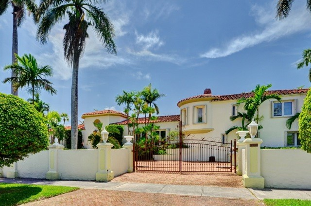 Luxury 7 Bedroom Spanish Style Vacation Villa | Private Pool ...